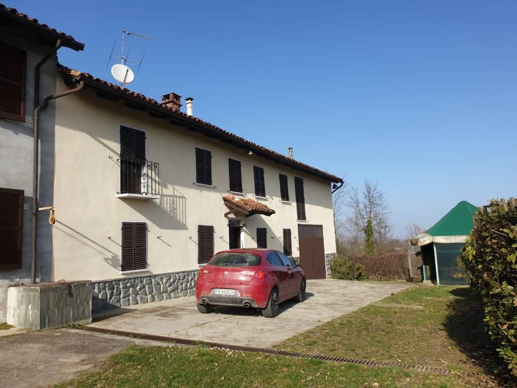 Rustico / Casale in vendita a Rocca d'Arazzo, 8 locali, prezzo € 95.000 | CambioCasa.it
