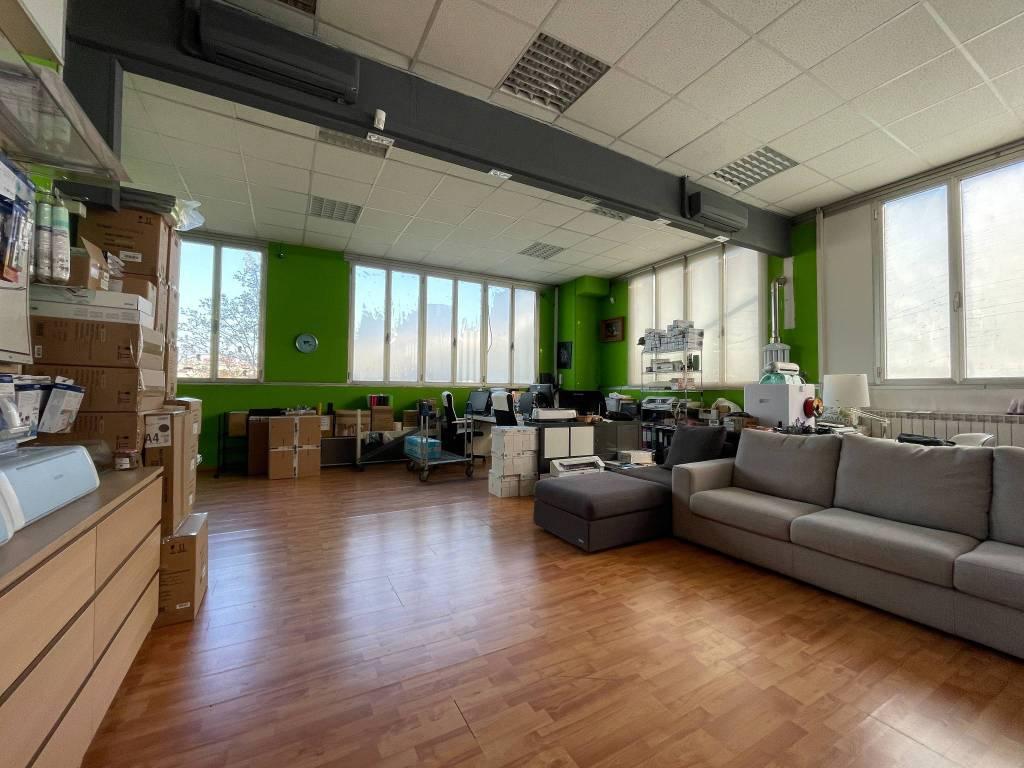 Negozio / Locale in vendita a Milano, 3 locali, prezzo € 385.000 | CambioCasa.it