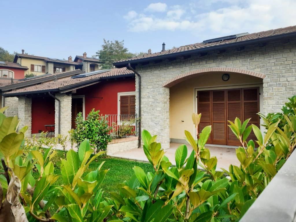 Appartamento in vendita a Capriata d'Orba, 3 locali, prezzo € 215.000 | CambioCasa.it