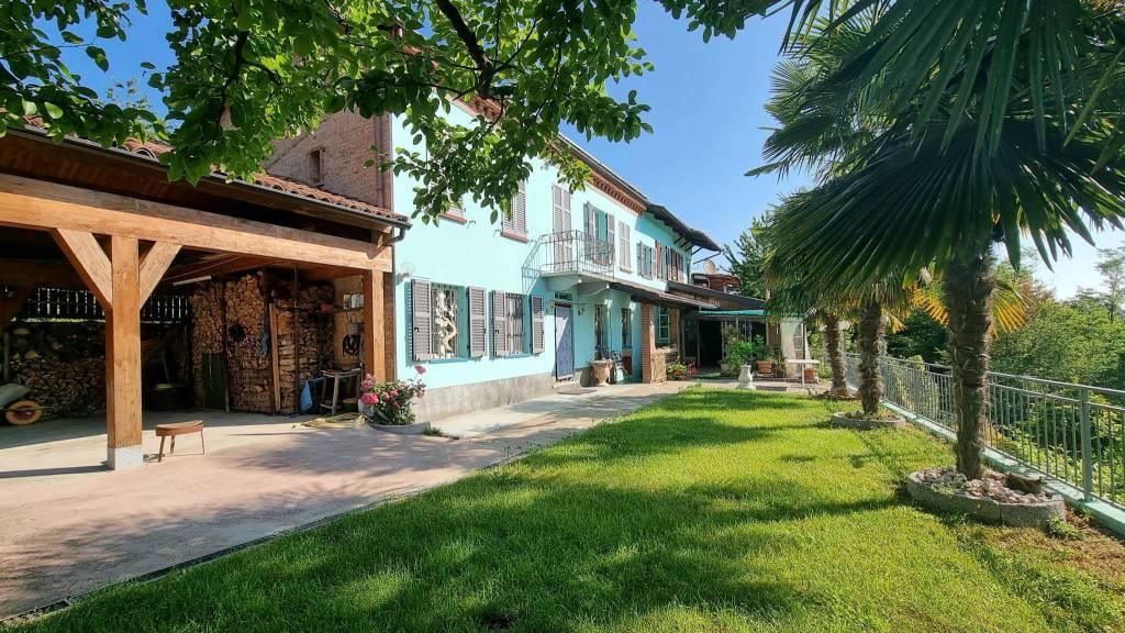 Rustico / Casale in vendita a Rocca d'Arazzo, 7 locali, prezzo € 280.000 | PortaleAgenzieImmobiliari.it