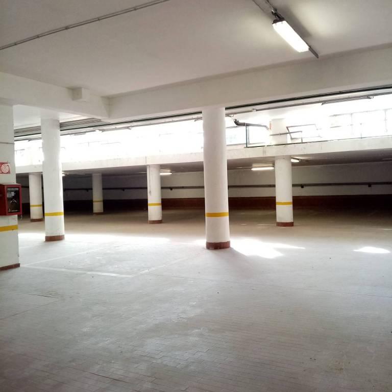 Box / Garage in affitto a Rivoli, 9999 locali, prezzo € 2.000   CambioCasa.it