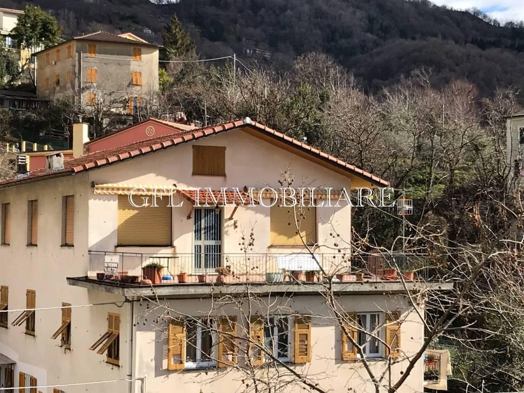 Appartamento in vendita a Uscio, 4 locali, prezzo € 100.000   CambioCasa.it