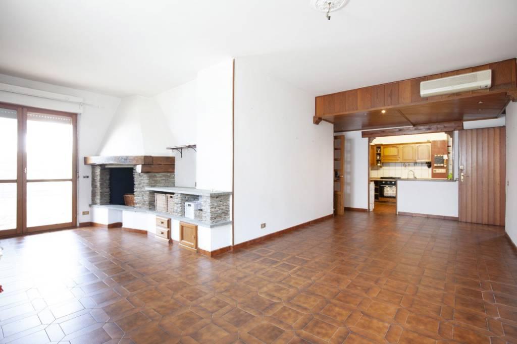 Appartamento in vendita a Lacchiarella, 4 locali, prezzo € 235.000   PortaleAgenzieImmobiliari.it