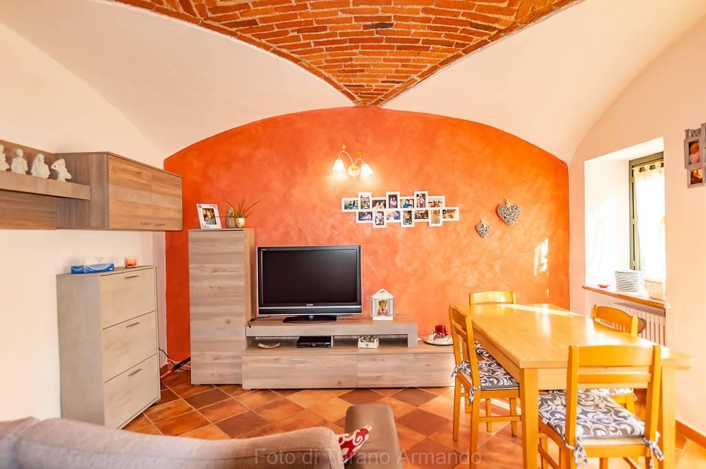 Appartamento in ottime condizioni in vendita Rif. 7630358