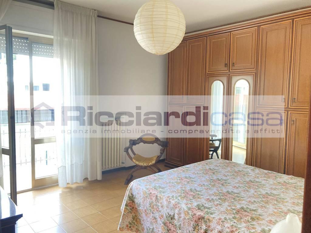 Appartamento in buone condizioni in vendita Rif. 8228958