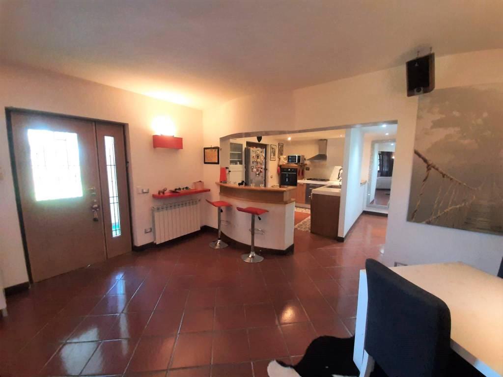 Villa in vendita a Riano, 10 locali, prezzo € 650.000 | CambioCasa.it