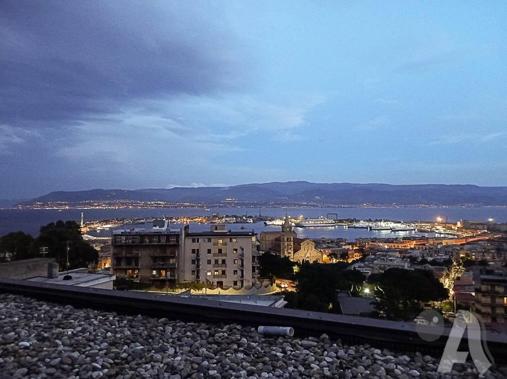 Appartamento in vendita a Messina, 6 locali, prezzo € 480.000 | CambioCasa.it