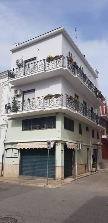 Stabile / Palazzo in ottime condizioni in vendita Rif. 8716428