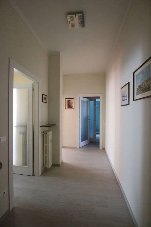 Appartamento in ottime condizioni arredato in affitto Rif. 6968310