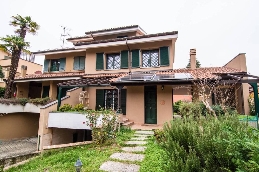 Foto 1 di Casa indipendente via Altopiano, frazione Borgonuovo, Sasso Marconi