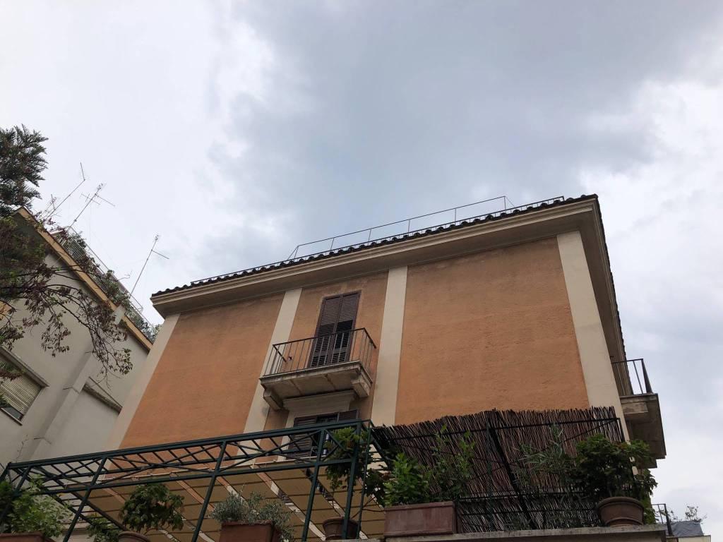 Attico / Mansarda in vendita a Roma, 5 locali, zona Zona: 17 . Aventino, San Saba , Piramide, prezzo € 1.350.000 | CambioCasa.it