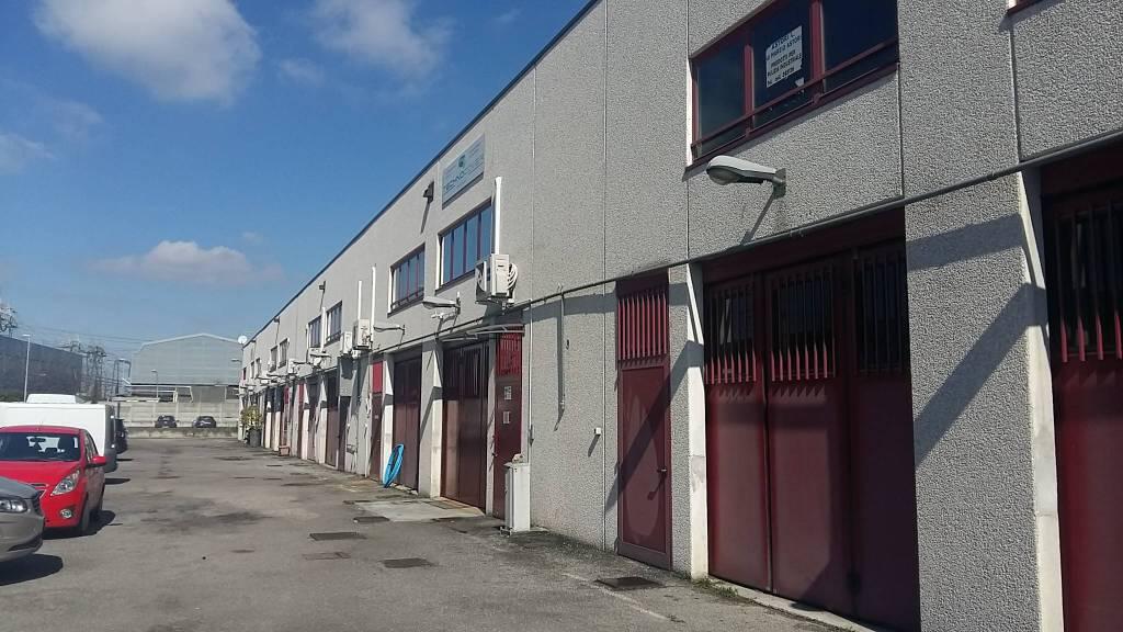 Capannone in affitto a Settimo Milanese, 1 locali, prezzo € 950 | PortaleAgenzieImmobiliari.it