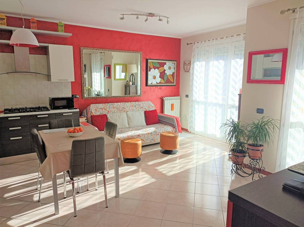 Appartamento in vendita a Solaro, 2 locali, prezzo € 130.000 | PortaleAgenzieImmobiliari.it