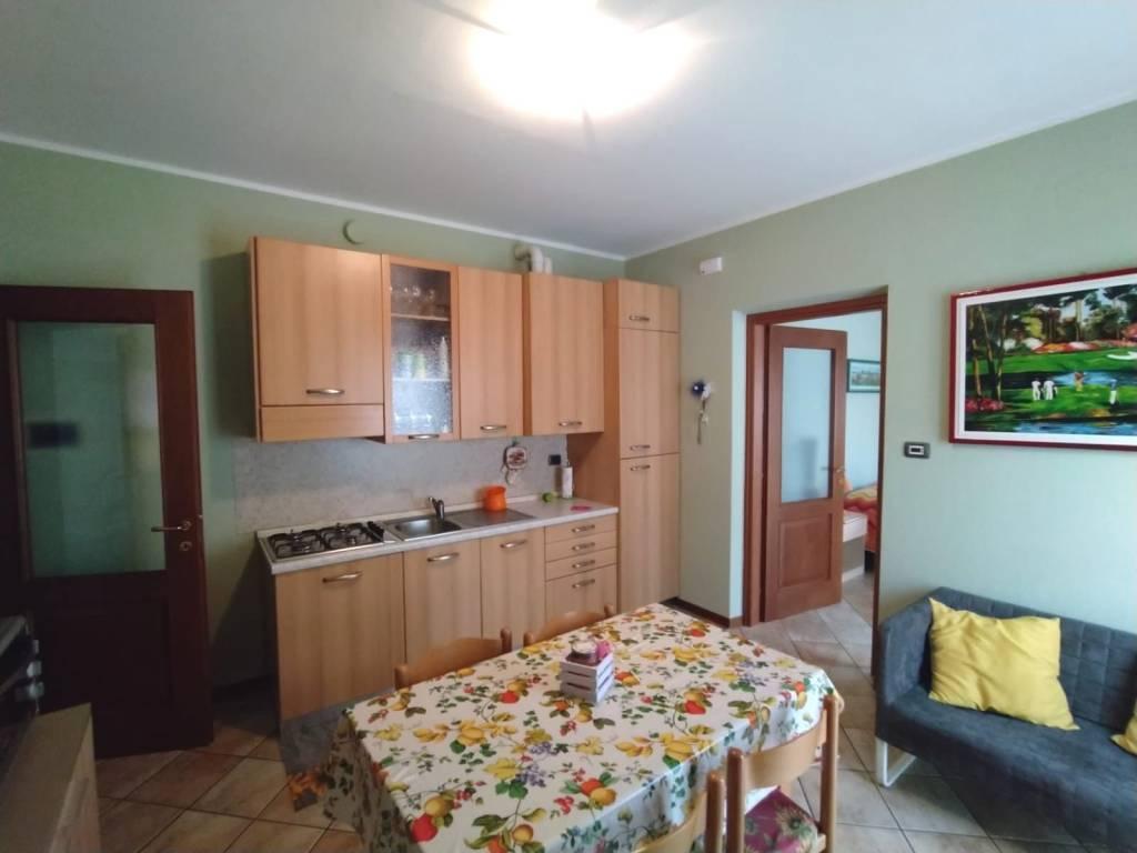 Foto 1 di Bilocale via Montebellina, Alba