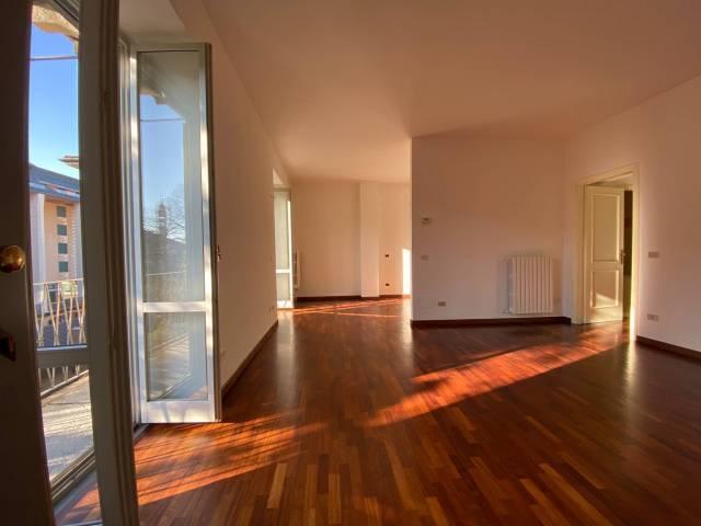 Attico / Mansarda in affitto a Bergamo, 4 locali, prezzo € 850 | Cambio Casa.it
