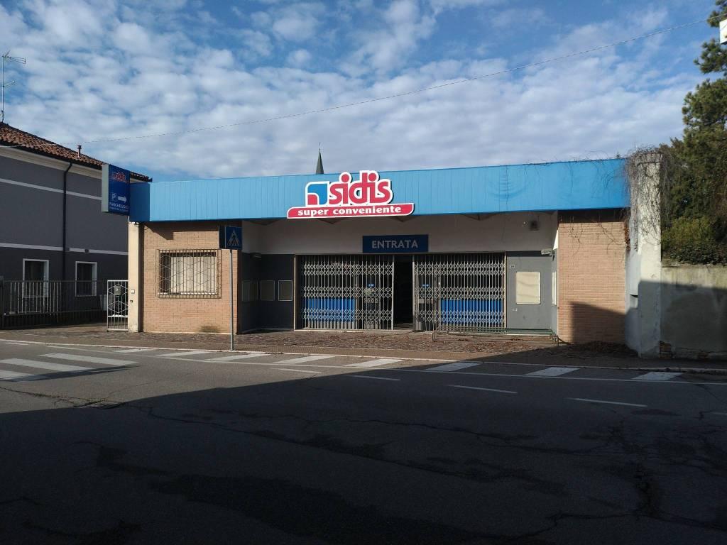 Ostiglia (MN) affitto ex supermercato completo di tutto Rif. 9154187