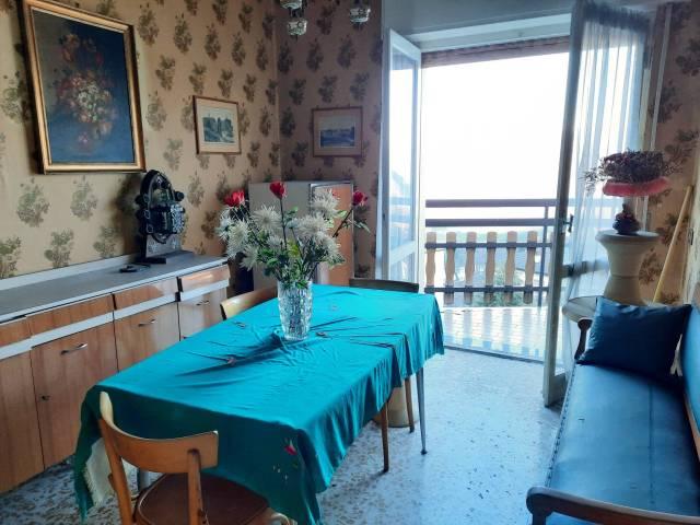 Appartamento in buone condizioni parzialmente arredato in vendita Rif. 4222563