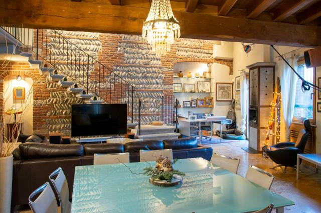 Casa Indipendente in ottime condizioni in vendita Rif. 4473721