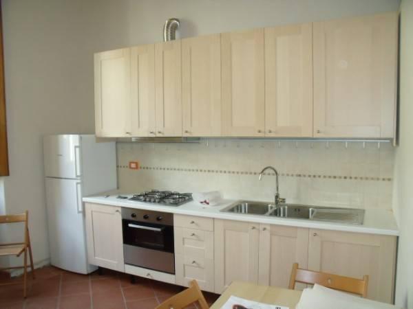 Appartamento in Affitto a Pistoia Centro: 2 locali, 47 mq