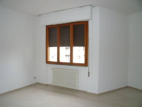 Appartamento in Affitto a Pistoia Centro: 4 locali, 104 mq