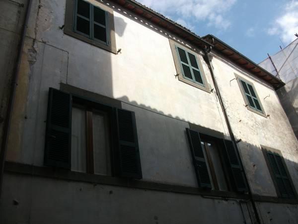 Appartamento in buone condizioni in vendita Rif. 7473193
