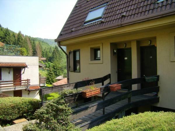 Appartamento in buone condizioni arredato in vendita Rif. 4248074