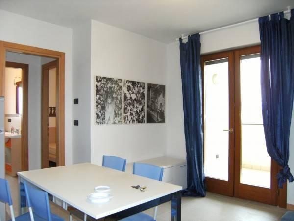 Appartamento in ottime condizioni arredato in affitto Rif. 9302792