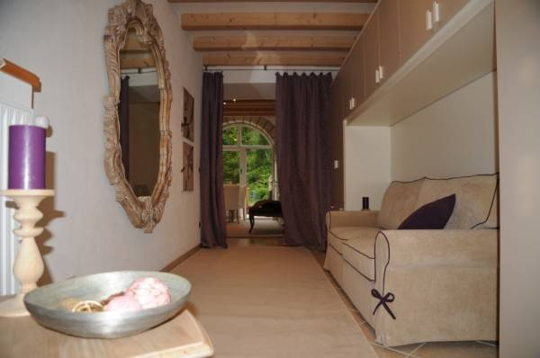 Appartamento in ottime condizioni arredato in vendita Rif. 6354357
