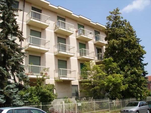 Appartamento in buone condizioni in affitto Rif. 4189283