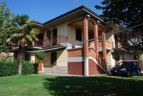 Villa in Vendita a Citta' Della Pieve Periferia: 5 locali, 255 mq