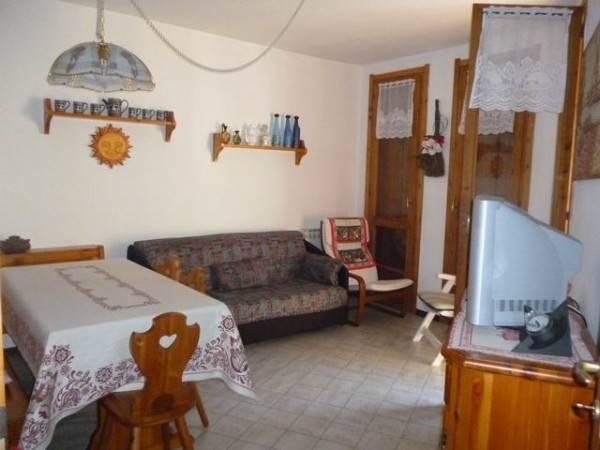 Appartamento in vendita a Edolo, 3 locali, prezzo € 100.000 | CambioCasa.it