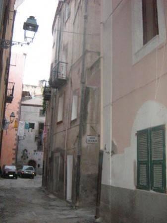 Antica casa caratteristica nel centro storico con terrazzo attrezzabile