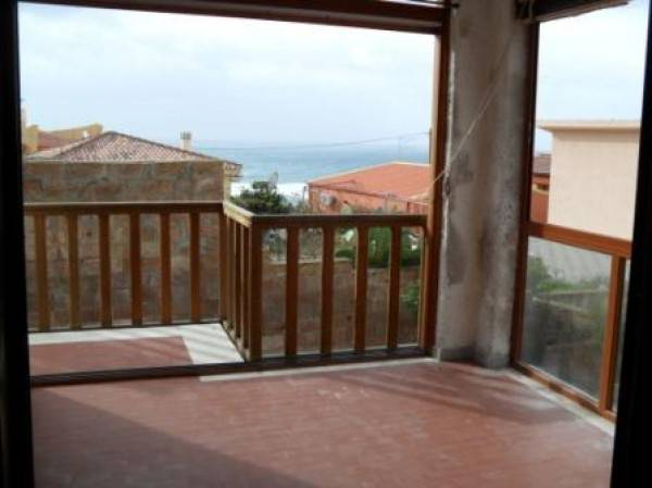 Appartamento in vendita a Tresnuraghes, 3 locali, prezzo € 165.000 | CambioCasa.it