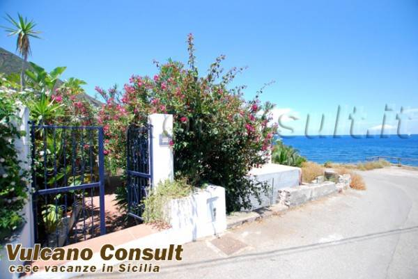 Appartamento in vendita a Santa Marina Salina, 7 locali, prezzo € 850.000 | PortaleAgenzieImmobiliari.it