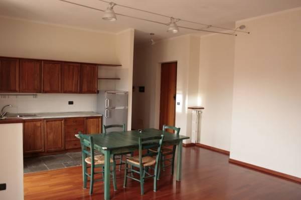 Appartamento in ottime condizioni arredato in affitto Rif. 6624755
