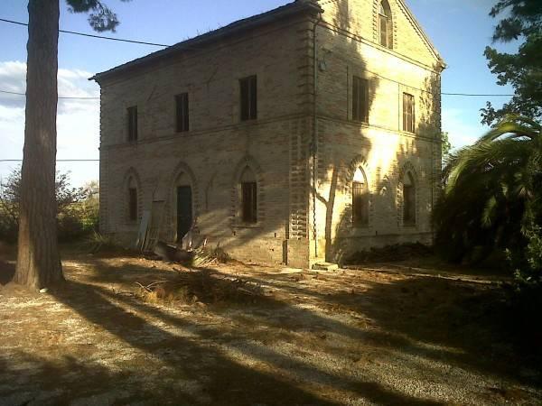 Villa in buone condizioni in vendita Rif. 8997764