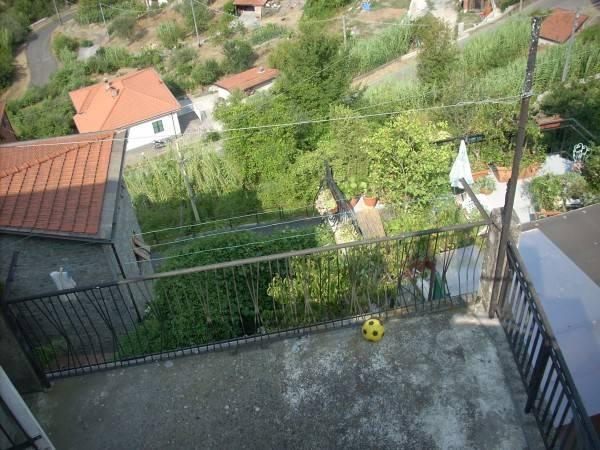 Soluzione Indipendente in vendita a Beverino, 3 locali, prezzo € 61.000 | CambioCasa.it