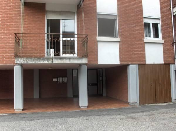 Appartamento in vendita a Oleggio, 4 locali, prezzo € 110.000 | PortaleAgenzieImmobiliari.it