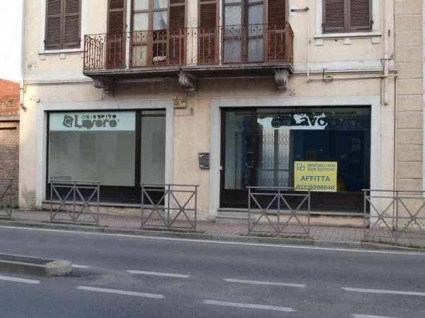 Negozio / Locale in affitto a Ciriè, 2 locali, prezzo € 630 | CambioCasa.it