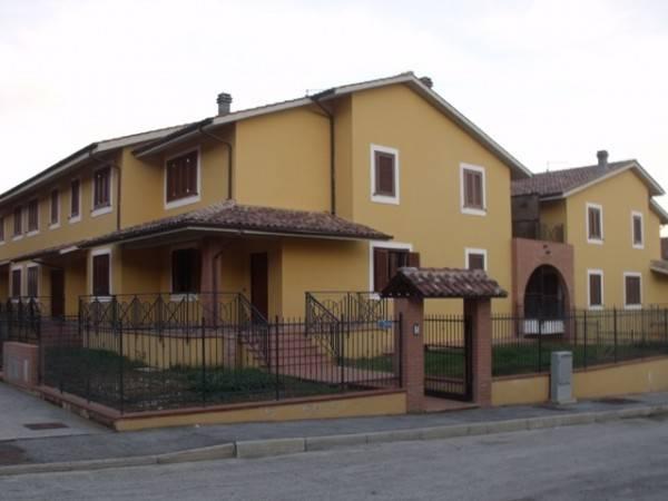 Villetta in Affitto a Magione Centro: 4 locali, 150 mq