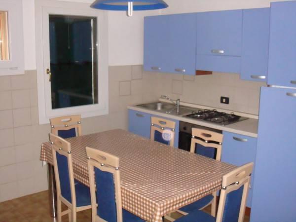 Villa in buone condizioni arredato in affitto Rif. 7610773
