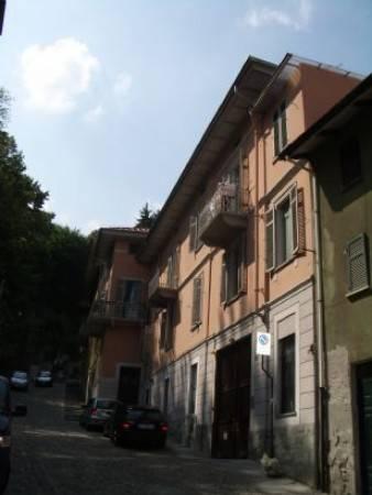 Stabile / Palazzo in buone condizioni in vendita Rif. 6970969