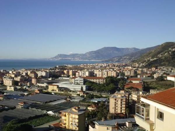 Attico / Mansarda in vendita a Vallecrosia, 6 locali, prezzo € 600.000 | PortaleAgenzieImmobiliari.it