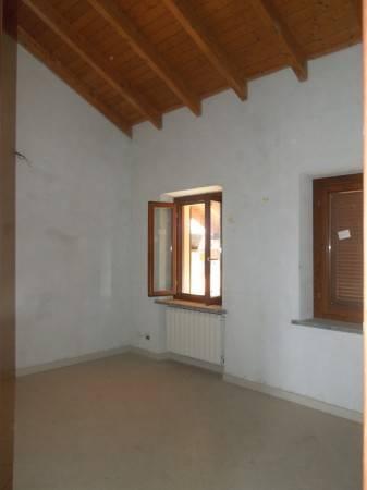 Appartamento in vendita a Fontaneto d'Agogna, 3 locali, prezzo € 85.000 | PortaleAgenzieImmobiliari.it
