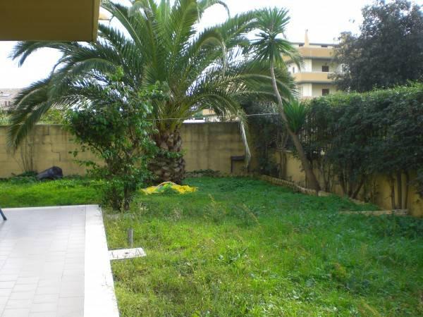 Appartamento in ottime condizioni arredato in affitto Rif. 7373367