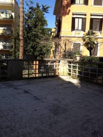 Appartamento in ottime condizioni parzialmente arredato in affitto Rif. 8002125