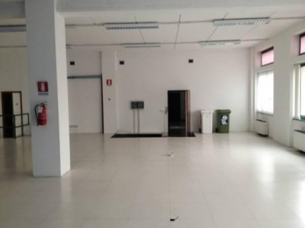 Ufficio / Studio in affitto a Settimo Milanese, 1 locali, prezzo € 2.083   CambioCasa.it