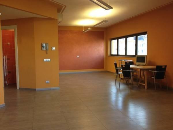 Ufficio / Studio in vendita a Borgomanero, 2 locali, prezzo € 95.000 | CambioCasa.it