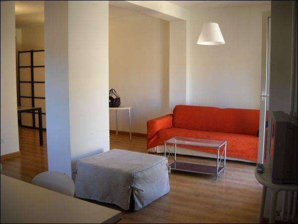 Appartamento in ottime condizioni arredato in affitto Rif. 4362096