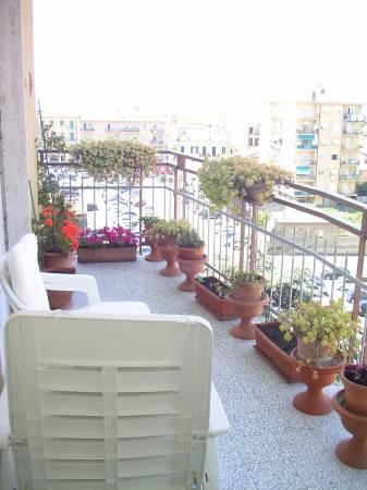 Appartamento in vendita a Vallecrosia, 3 locali, prezzo € 219.000 | CambioCasa.it